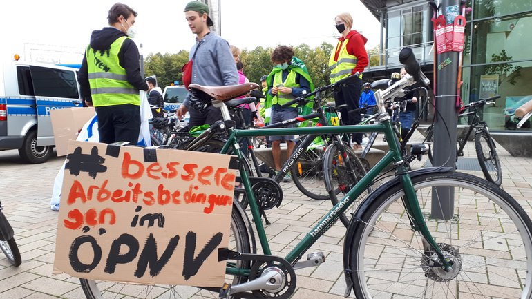 Solidarität mit den Beschäftigten des ÖPNV: Fahrradtour am 02.10.2020